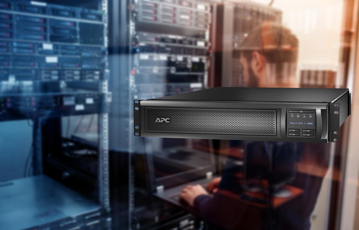APC Smart-UPS X 3000VA Rack/Tower LCD 100-127V