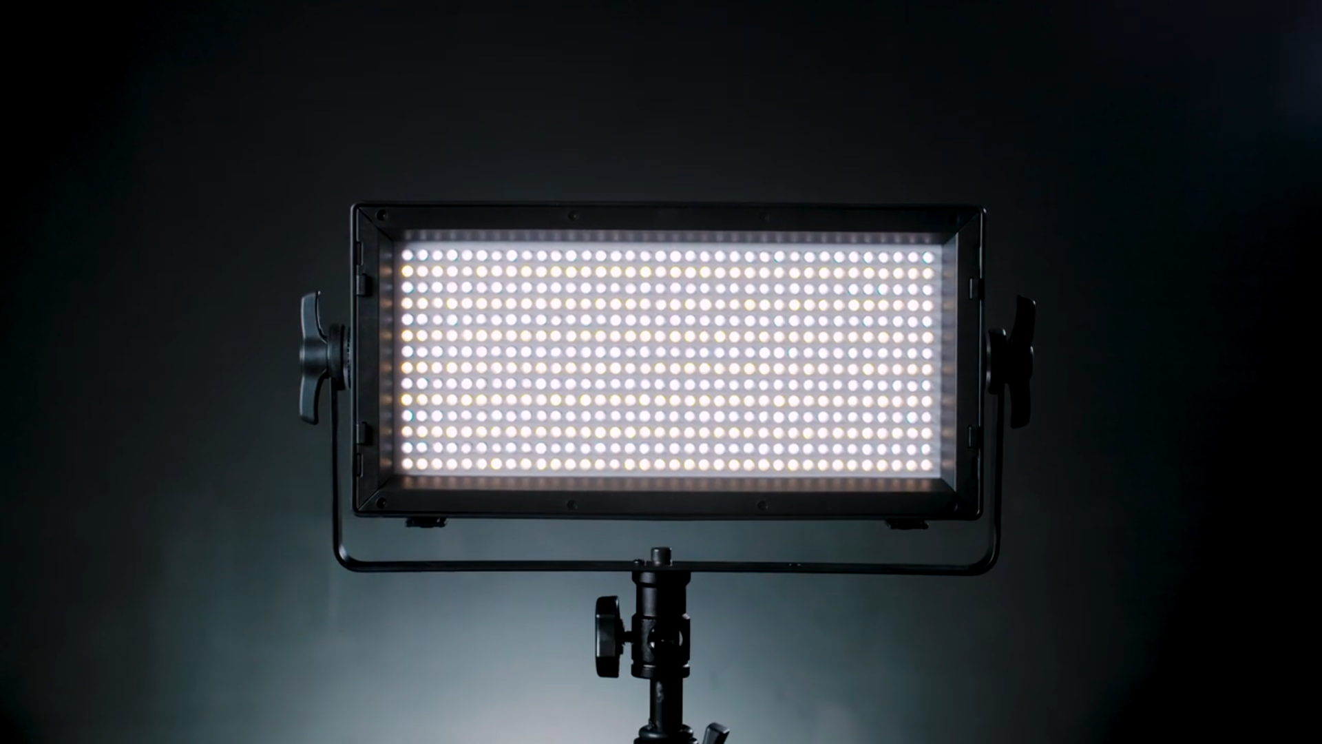 14 Recommended Lighting Kits for Photography | B&H Explora