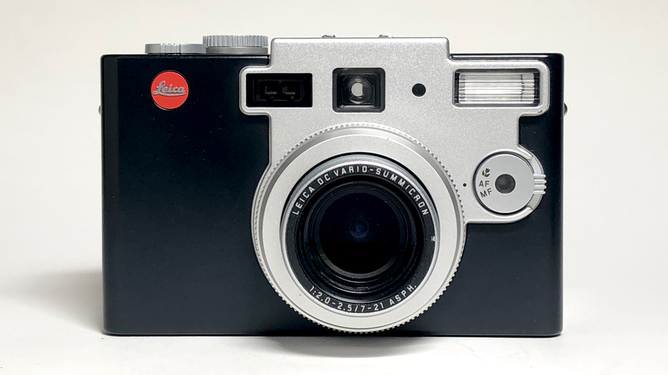 Classic Camera Review: Leica Digilux 1