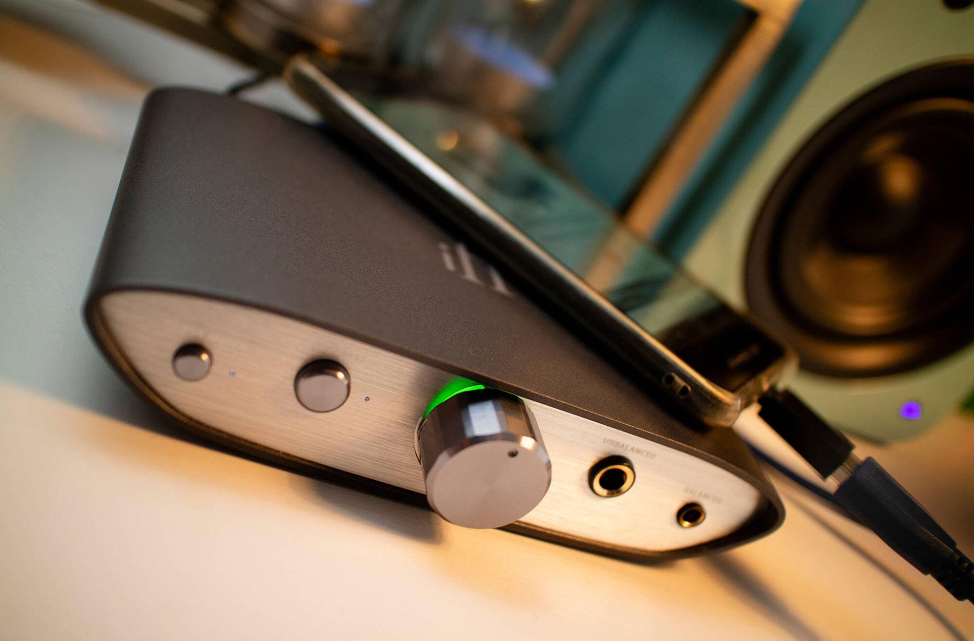 iFi AUDIO Zen DAC V2 Desktop USB DAC and Headphone Amp