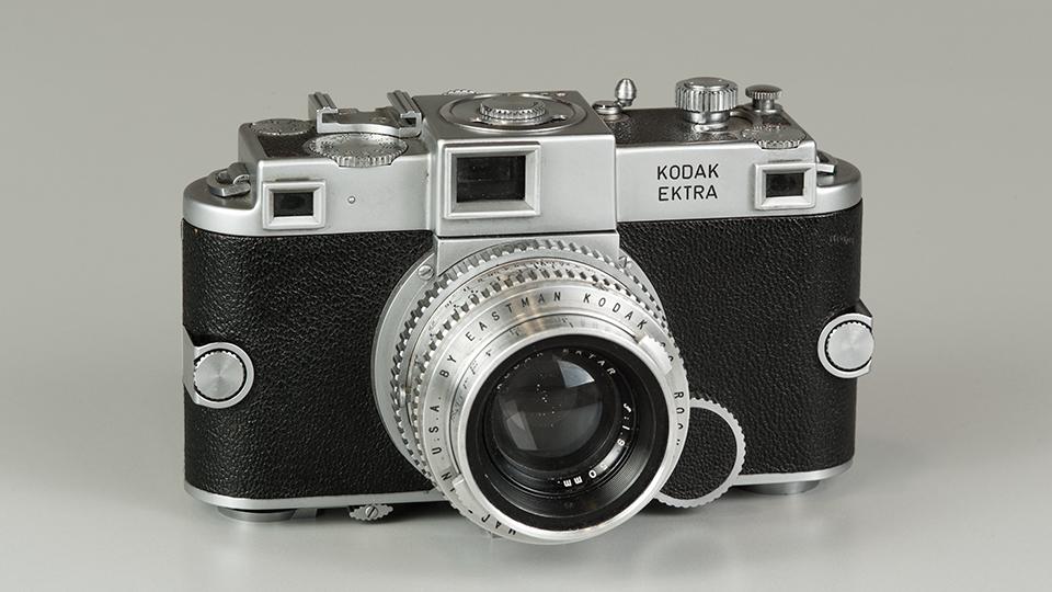 Можно ли самому почистить матрицу в фотоаппарате далеко