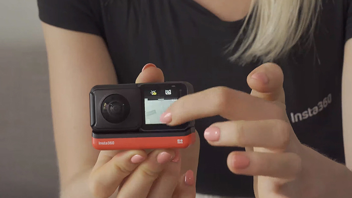 Insta360 ONE R touch screen