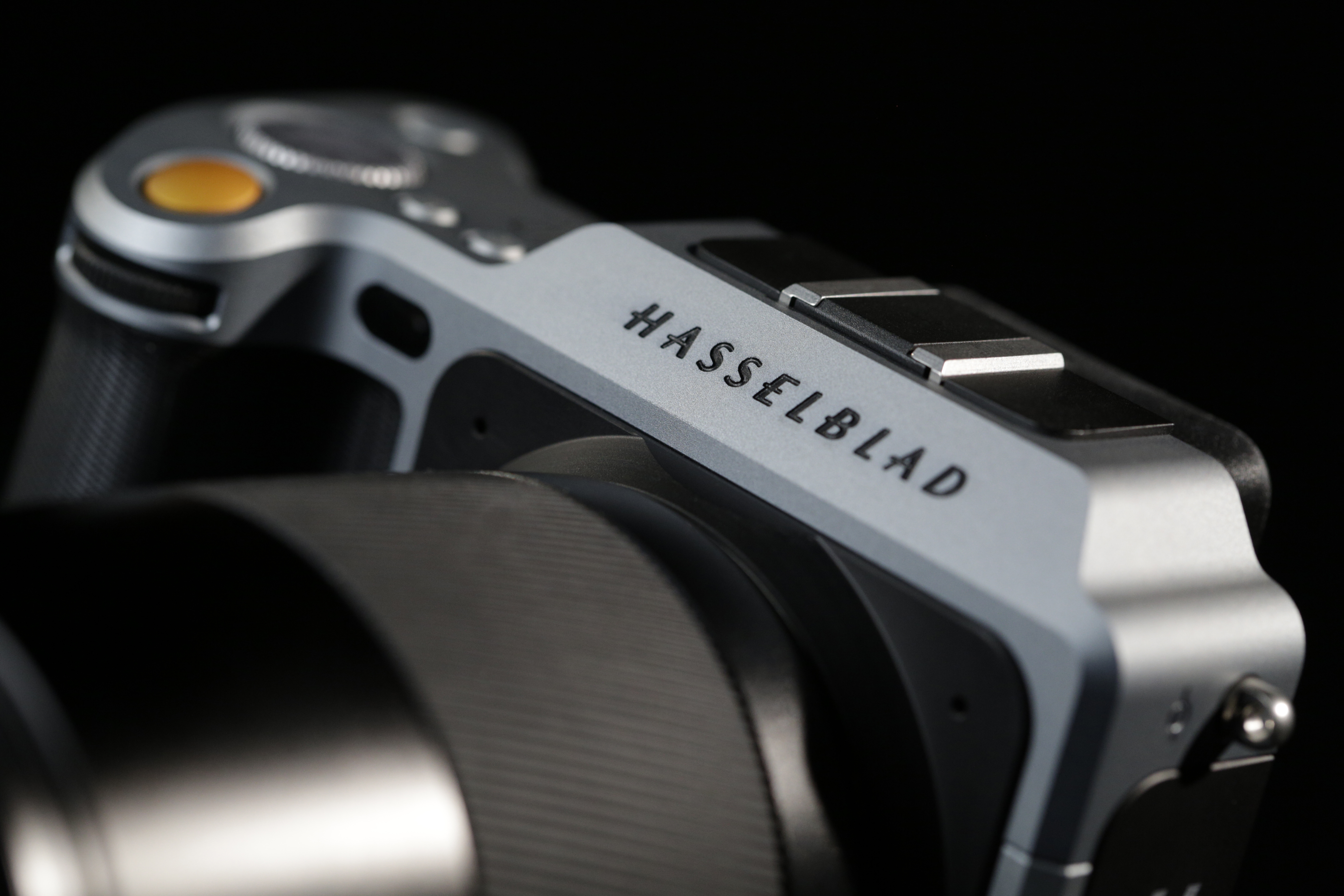Medium Format Mirrorless Has Arrived: The Hasselblad X1D ...