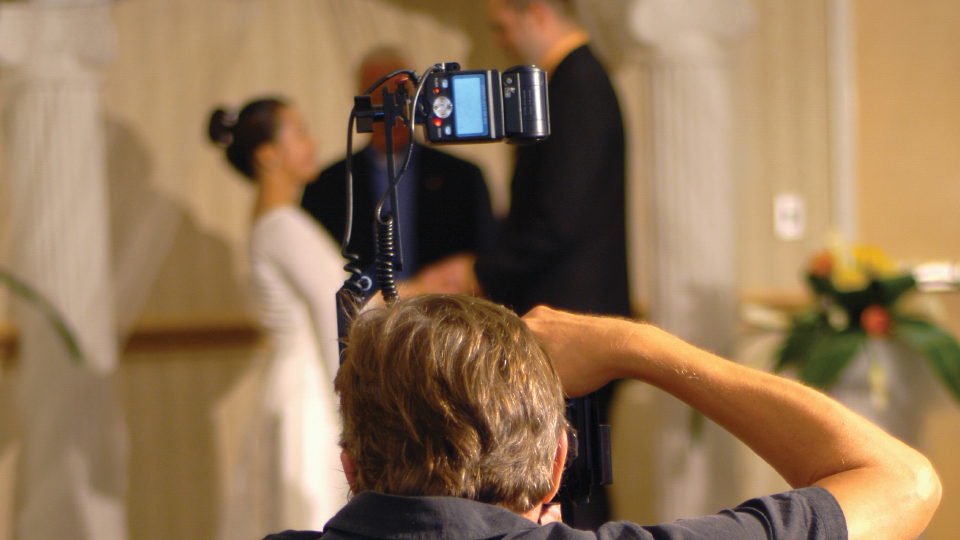 Speedlight Wedding Photography: Off-Camera Flash Systems For The Wedding Photographer