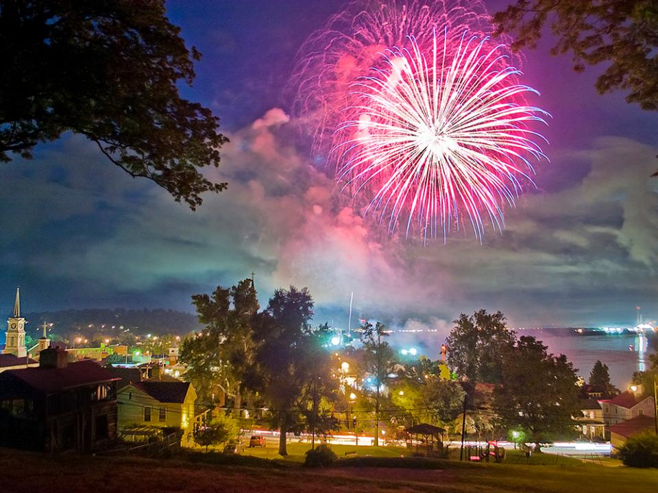 28 Photogenic Options for July 4th Fireworks Nationwide