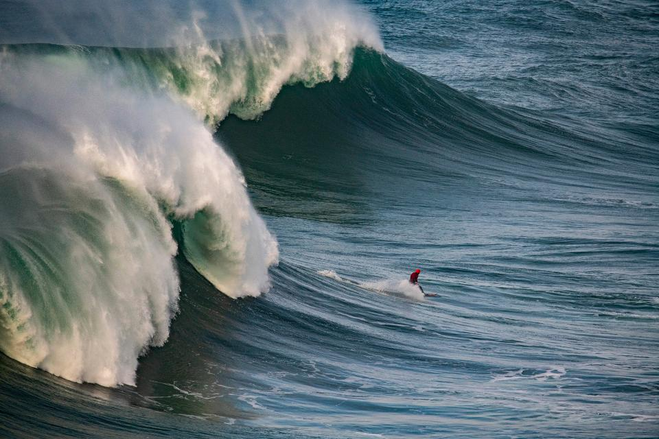Photographing Surfers At The Giant Waves Of Nazare B H Explora