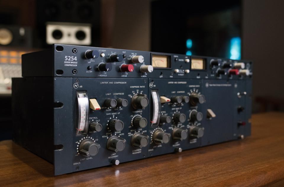 Rupert Neve Designs 5254 Dual-Diode Bridge Compressor