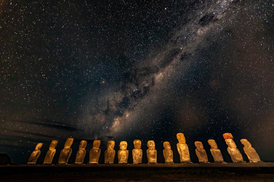 Milky Way over Moai, Ahu Tongariki, Rapa Nui (Easter Island), Chile  Canon EOS 5D Mark IV, EF14mm f/2.8L II USM lens, f/2.8 for 30 seconds, ISO 3200
