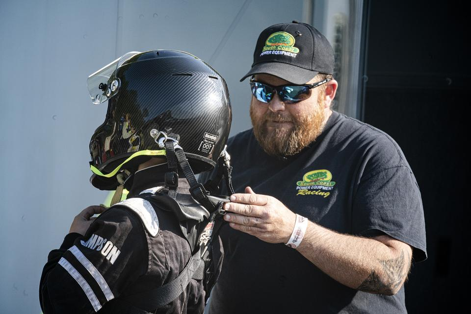 The competitors and fans at the New London-Waterford Speedbowl are down-home, family-oriented folks who take amateur racing seriously. And yes – they all seem to enjoy themselves win or lose.