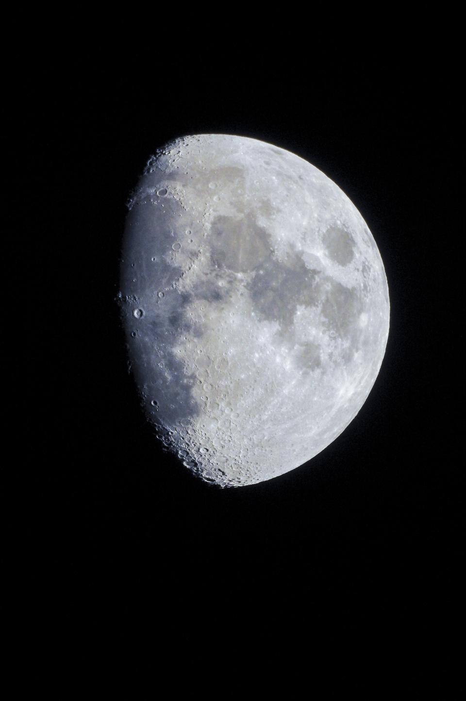 14 Tips for Shooting the Moon | B&H Explora