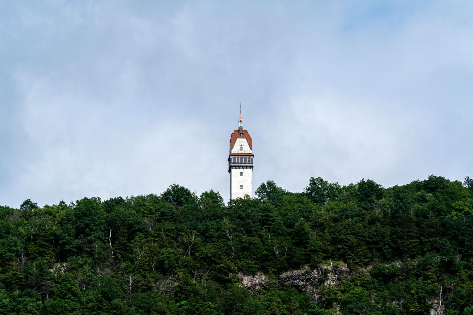 The Heublein Tower, located about a 1,000' up along the ridge of a mountaintop, in Simsbury, CT, captured at 200mm