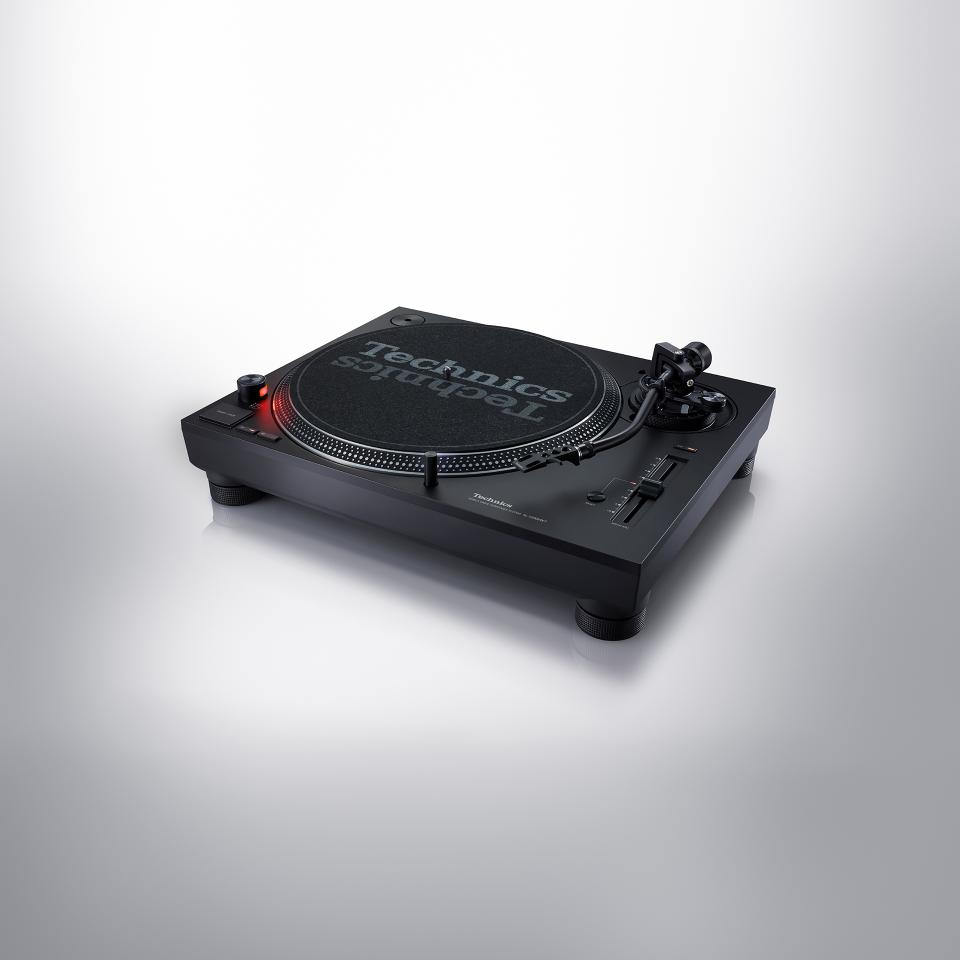 Technics Direct Drive Turntable SL-1200MK7