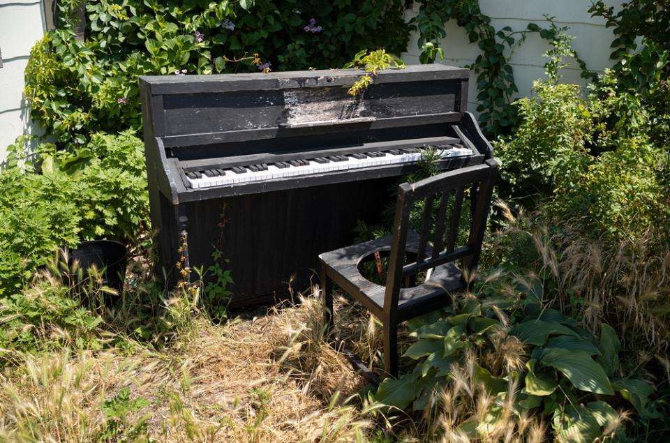 Piano in Fort Tilden